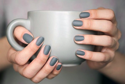 blog_matte-grey-nail-polish