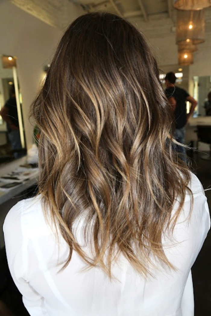 blog_hi_Le-Fashion-Blog-Hair-Inspiration-Brunette-Hair-With-Subtle-Highlights-Via-Jonathan-And-George