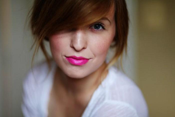 blog_hot-pink-lipstick