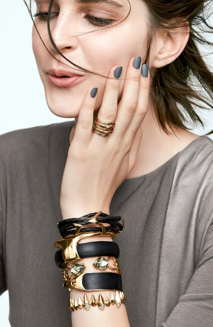 blog_Le-Fashion-Blog-Matte-Nails-Stacked-Black-Gold-Alexis-Bittar-Jewelry-Model-Kel-Markey-Via-Nordstrom