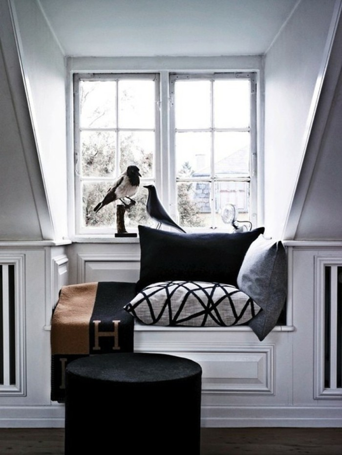 blog_white-reading-nook-hermes-remodelista