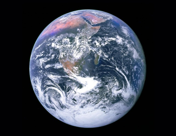 blog_apollo-17-full-earth-8