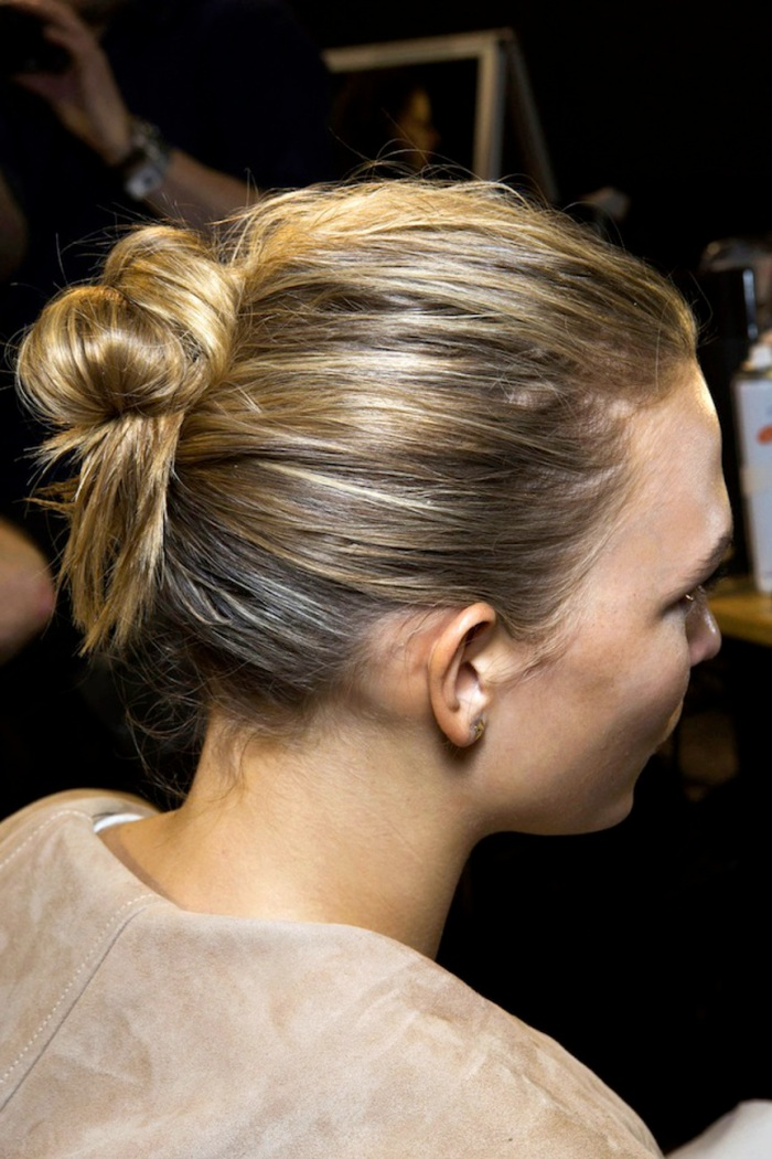 blog_1-Le-Fashion-Blog-Backstage-Beauty-Hair-Inspiration-Twisted-Messy-Buns-Isabel-Marant-FW-2015-Karlie-Kloss-Up-Do-Top-Knot