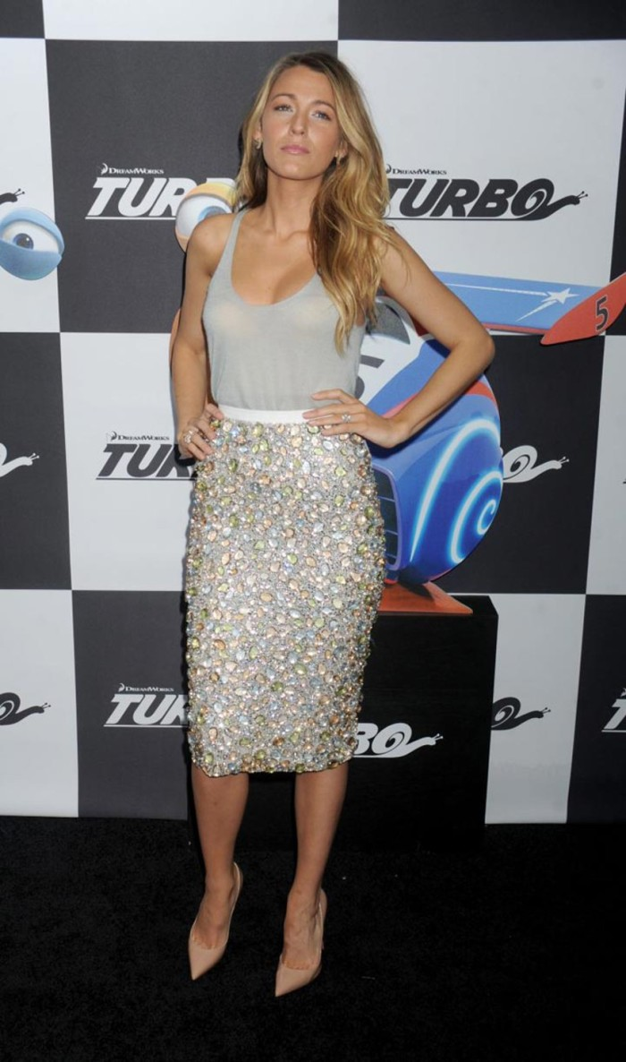 blog_blake_lively_sequin_pencil-skirt