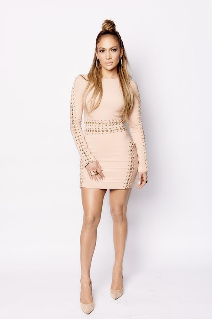 blog_jennifer-lopez-sexy-nude-mini-dress-american-idol-1