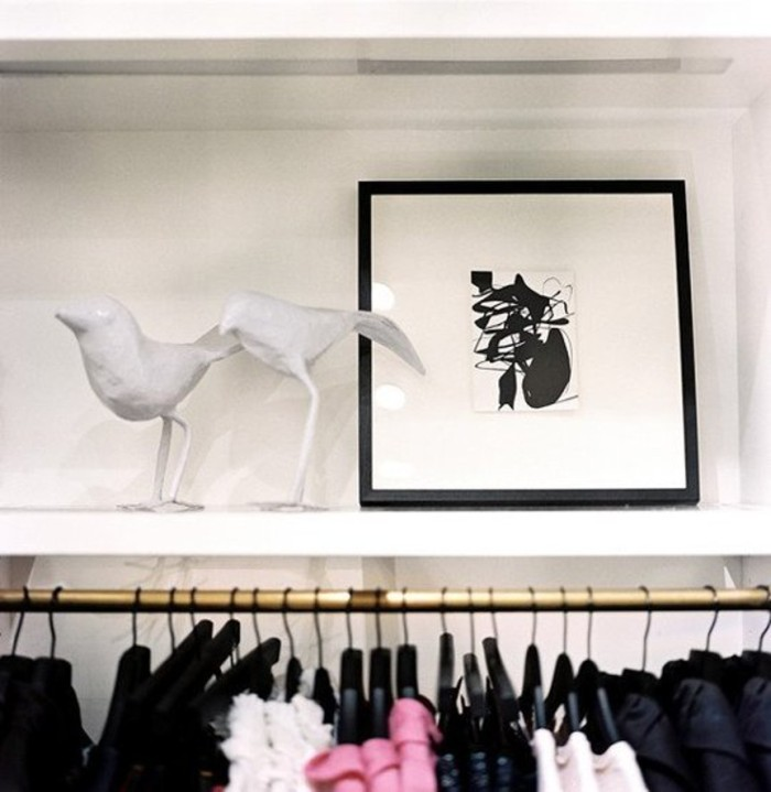 blog_Retail+Store+Design+Framed+art+white+bird+-4ES6G7KPKel
